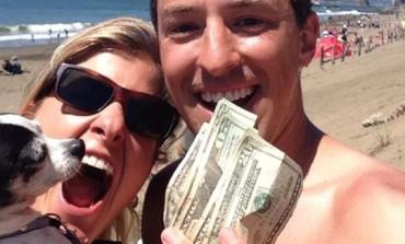 Dijeli novac preko Twittera: Misteriozna osoba objavljuje upute koje vode do omotnica s novcima