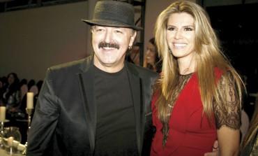 """Uvijek je bio džentlmen: Haris Džinović počastio suprugu """"novim grudima"""""""