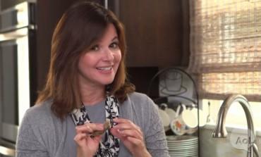 Ubacila je potrošenu vrećicu od čaja među prljave sudove: Oduševićete se kada vidite zašto! (VIDEO)