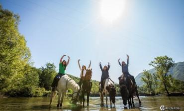 Ljetne fotografije, ljepše nego ikada sestara Bektić sa konjima