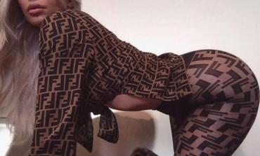 Kim izbacila uvis G*ZU U NAJLONKAMA! Htjela da pokaže skupu garderobu, svi gledali nešto drugo! (FOTO)