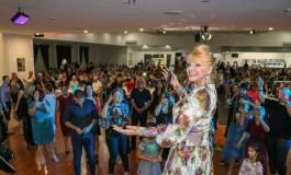 Hanka Paldum na turneji po Australiji- Svi su željeli upoznati i slikati se sa kraljicom narodne muzike
