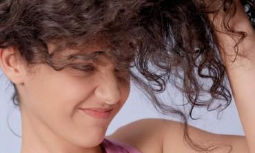 Trikovi uz pomoć kojih ćeš sigurno moći da imaš dugu kosu kao sa reklame!
