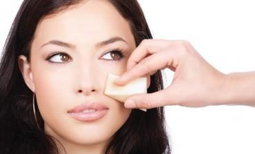 Skini godine s lica u samo 3 koraka - holivudska šminkerka otkrila savršene trikove!