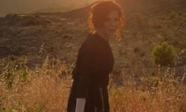 "Jasna Gospić predstavila spot za pjesmu ""Bolujem"", cover francuske šansone ""Je suis malade"""