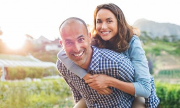 Kako ste proslavili 15 godina braka? Status jedne mame na Fejsbuku nasmijaće vas do suza!