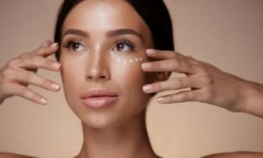 Savršen trik za prekrivanje podočnjaka, akni i ostalih nesavršenosti na koži