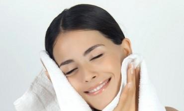 NEMAM VREMENA JE SAMO IZGOVOR: 6 stvari koje treba da odradiš PRIJE samog šminkanja!