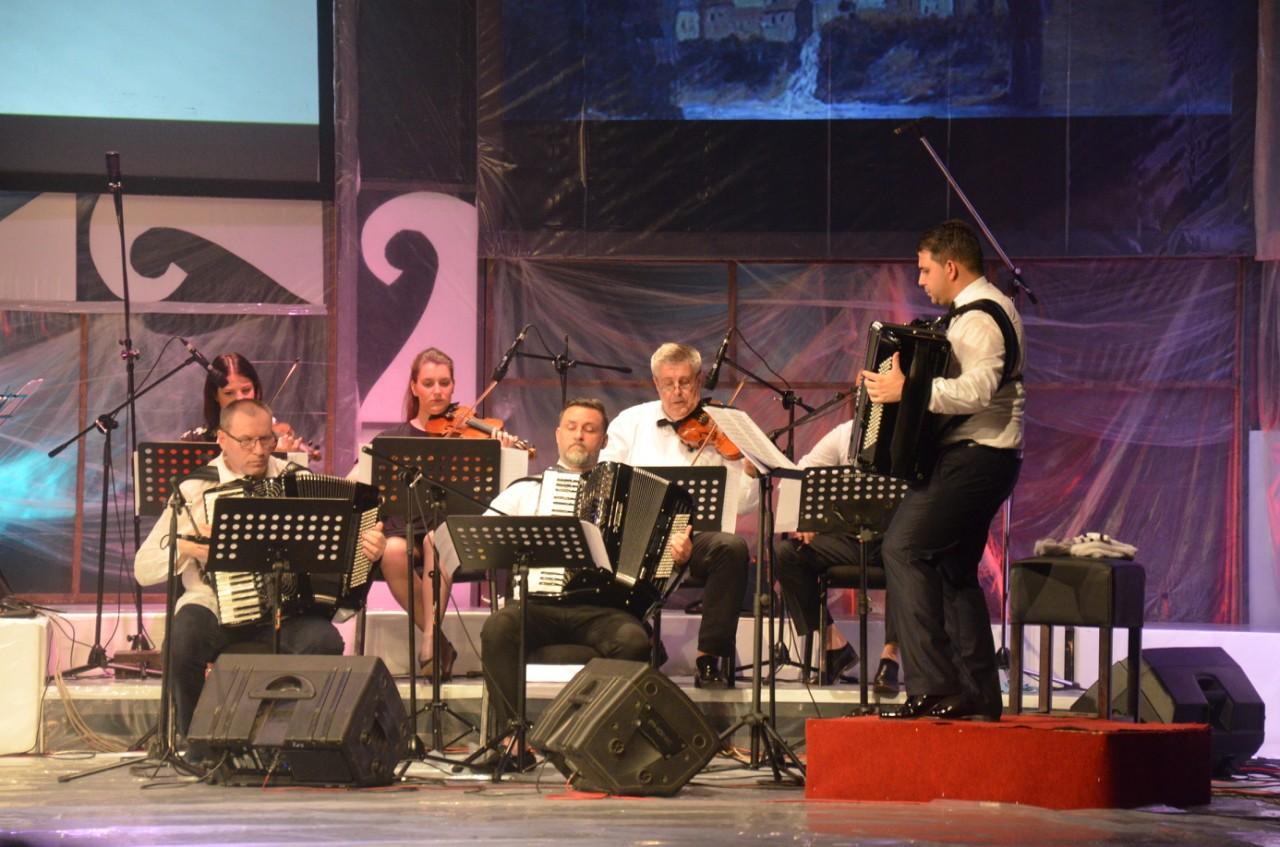 festvalski orkestar