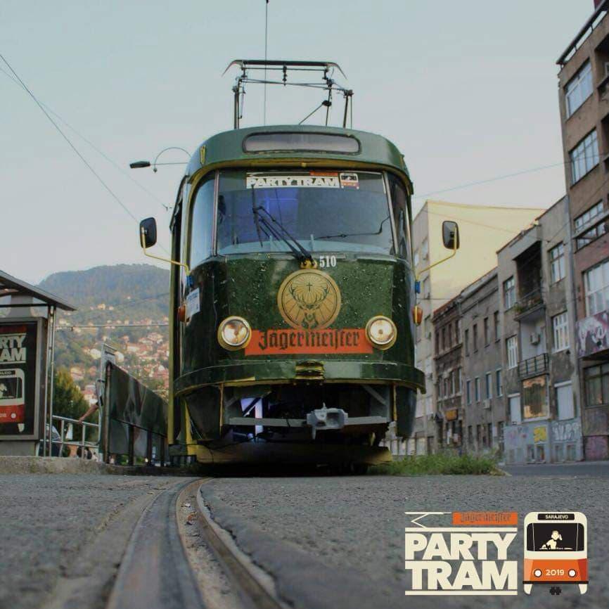 Serija partija u gradskom tramvaju