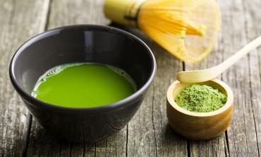 """Da li zeleni čaj zaista """"skida"""" kilograme?"""