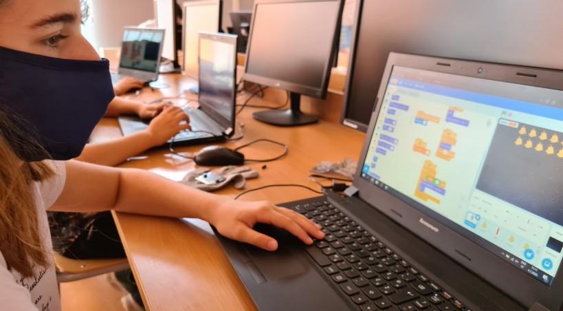 Oni su digitalni genijalci – Promovirana peta generacija STEM Akademije Tuzla