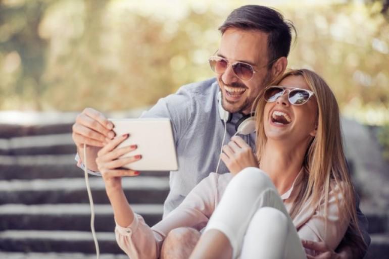 Momci otkrili: Da li više vole nedodirljive ili dame koje prve prilaze?