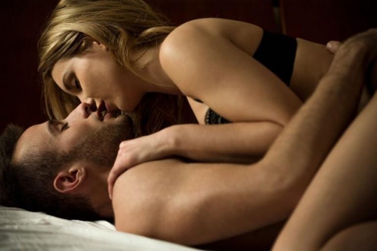 Zašto i dalje muškarci misle da žene glume orgazam?