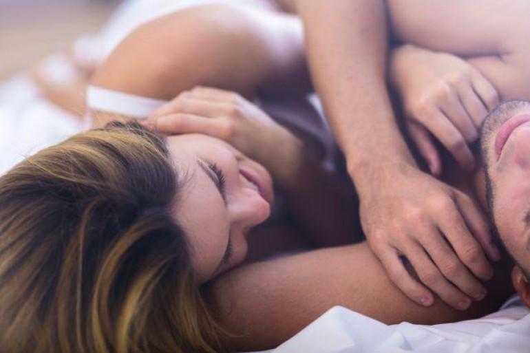 Ponašanje posle intimnog odnosa otkriva šta muškarac želi od veze