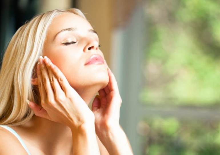 Kako dugotrajni boravak u zatvorenom prostoru utiče na vašu kožu?