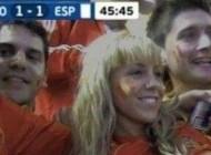 Zgodna Španjolka pokazala s*s*na utakmici sa Hrvatskom (FOTO)