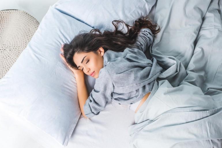 Probudite se sa svježom i mladolikom kožom, bez tamnih kolutova oko očiju – Pet savjeta za efikasan bjuti san!