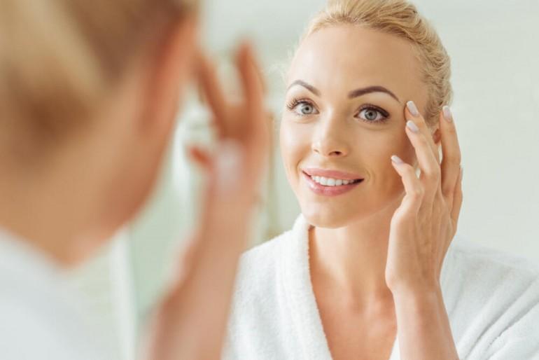 Koža lica ne oprašta i pamti sve: Ovo su loše navike koje pravite u večernjoj rutini!