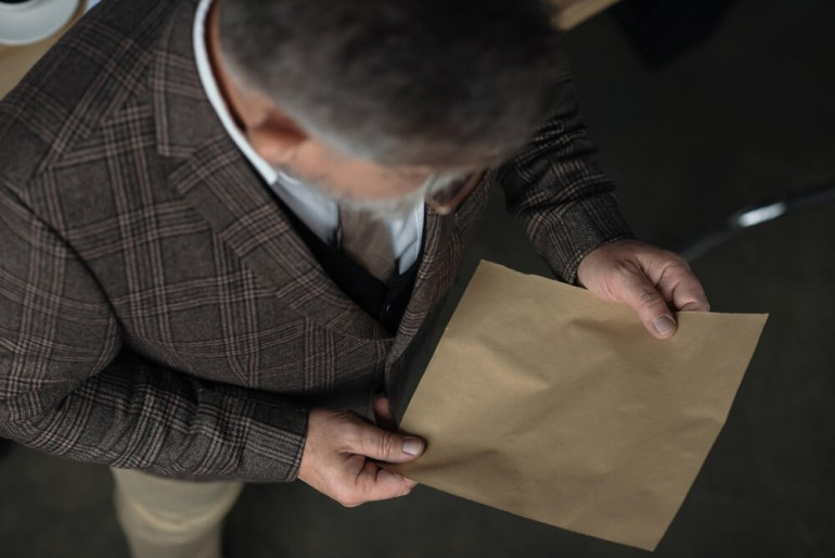 """Otac sastavio listu pitanja za ćerkinog dečka da utvrdio da li je dobar """"materijal"""" za zeta. Jedno pitanje bilo je posebno bolno!"""