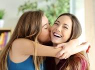 SREĆA: Ovih 10 stvari razumiju samo osobe koje imaju stariju sestru!