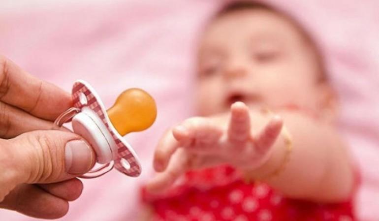 Zašto djeca u Njemačkoj nose pelene do pete godine, a cuclu ne vade iz usta