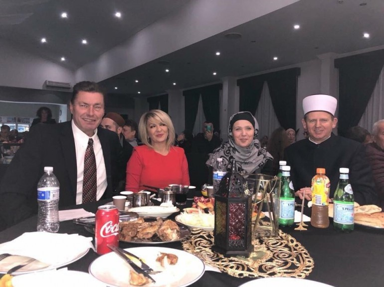 """Manifestacija """"Ususret ramazanu"""" u Sydneyu: Bosanci i Hercegovci u Australiji pomoći će organizaciju iftara u Srebrenici"""