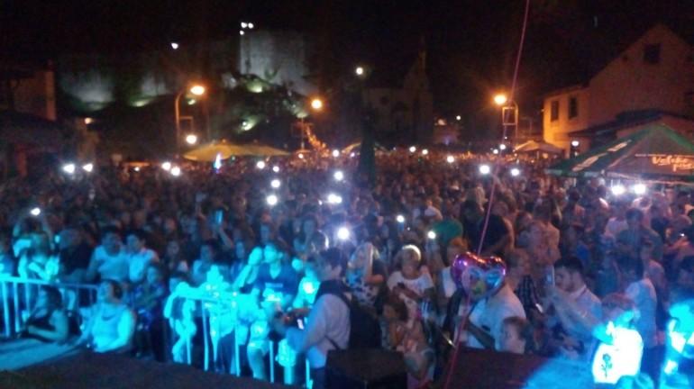 """Okončana 46. Unska regata- Više od 7.000 posjetilaca na koncertu """"Harija Mata Harija"""" u Bosanskoj Krupi"""