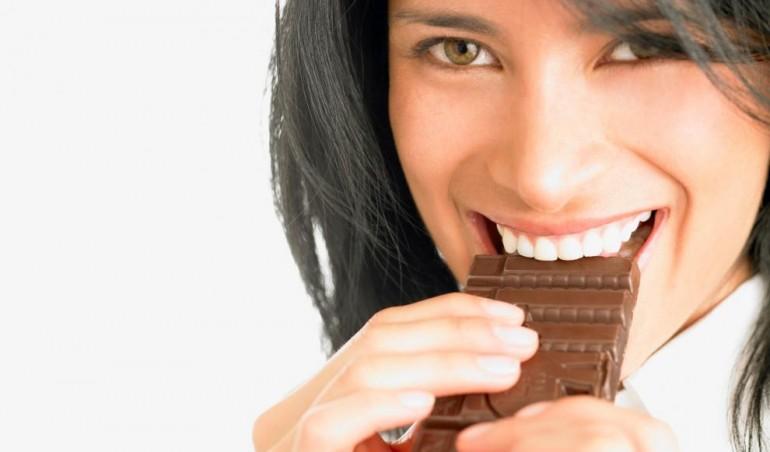 Čokolada može da pomogne da ŽIVITE DUŽE, samo treba da je kombinujete sa OVIM suplementom!