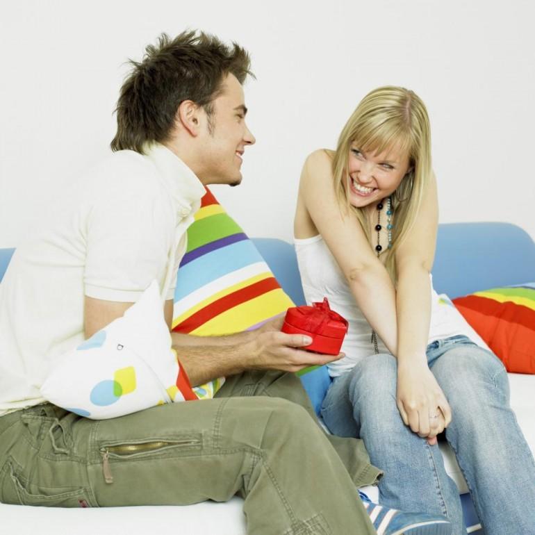 OTKIDAJU NA OVO! 14 stvari kojima muškarci nisu u stanju da ODOLE kod nježnijeg pola!