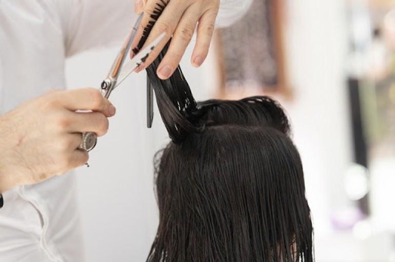 Polovina Njemaca zabrinuta da će biti zaražena virusom u frizerskim salonima