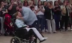 E, TO JE LJUBAV: Kada vidite ŠTA je ovaj muž uradio za bolesnu ženu, nećete moći da zaustavite SUZE! (VIDEO)