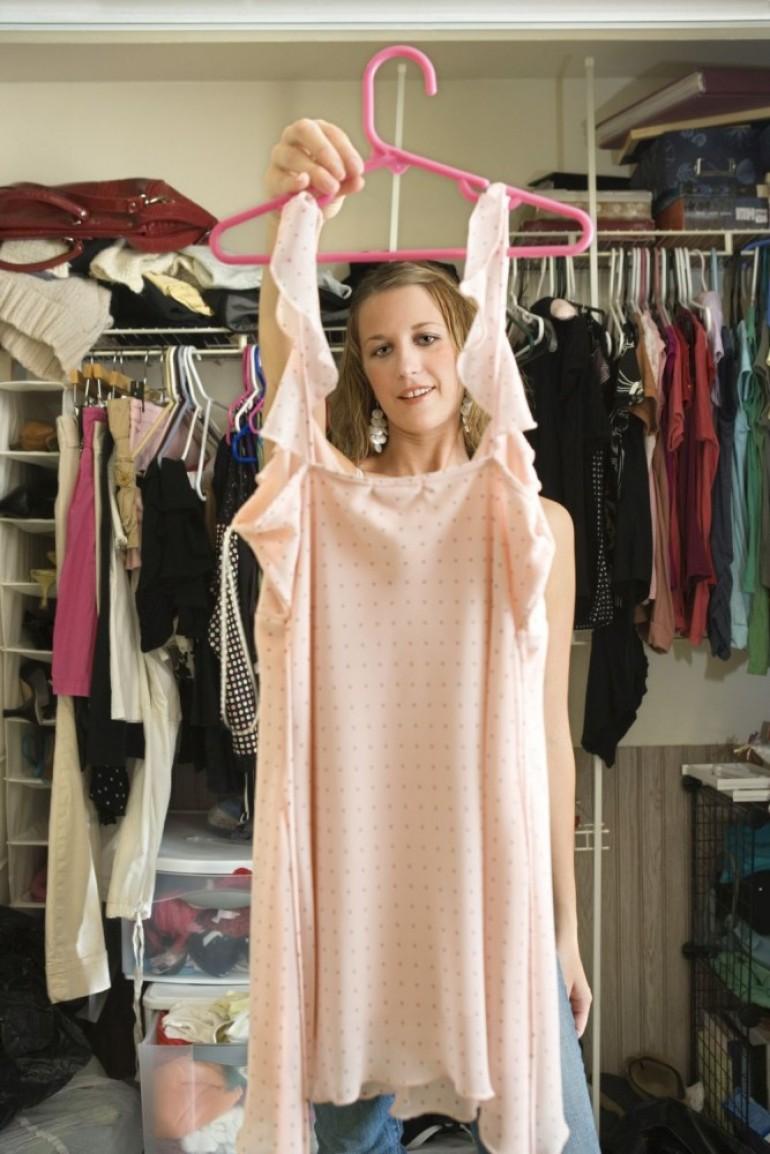 Eliminišite negativnu energiju: Hitno izbacite iz ormara ovu garderobu!