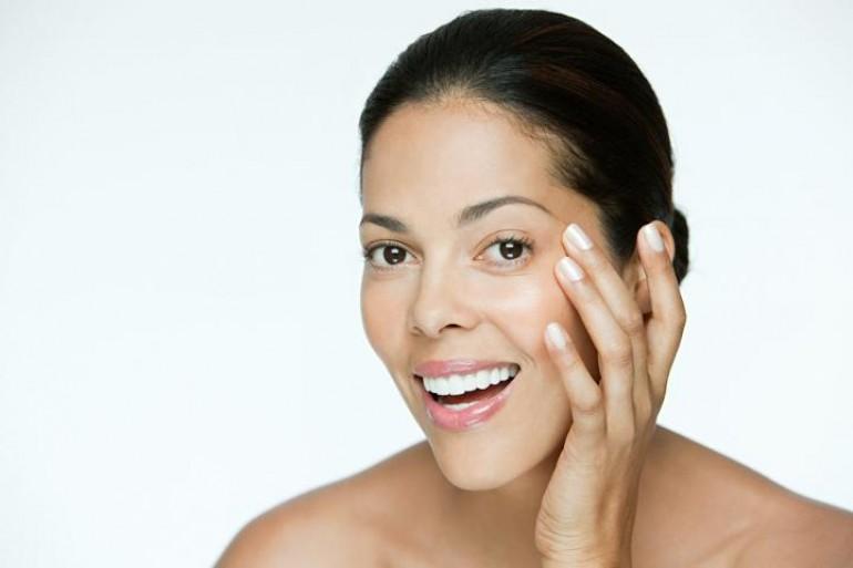 KORAK PO KORAK: Redosljed nanošenja PROIZVODA u vašoj rutini za njegu lica je veoma BITAN!