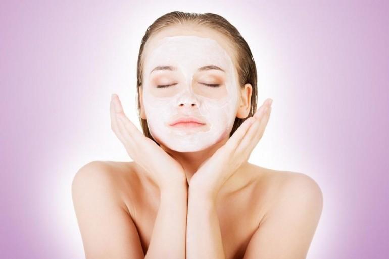 Uklanja suvišne masnoće i liječi akne – smjesa od samo 2 sastojka će vam preporoditi lice!