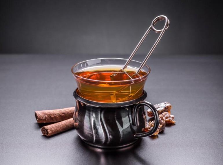 ČUDOTVORNA KOMBINACIJA SASTOJAKA! Ovaj čaj odlično SAGORJEVA masti i UBRAZAVA metabolizam!