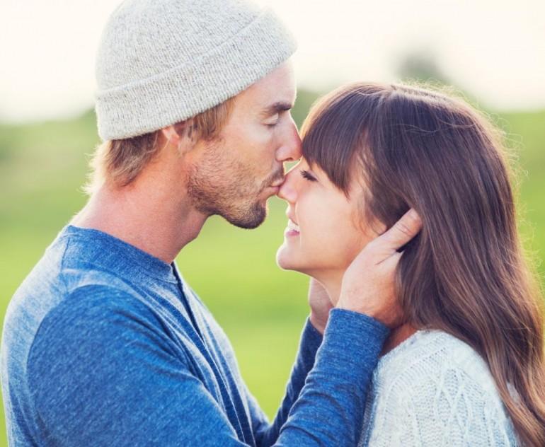 ŠTA TO IMAJU SREĆNI PAROVI? Ovo su tri ključne stvari za stabilnu vezu!