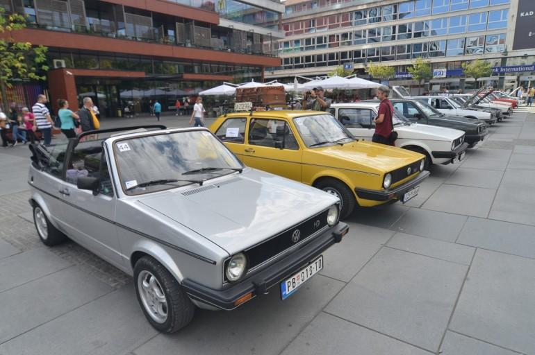 Vlasnici popularnog automobila se okupili na jednom mjestu – U Sarajevo stigli golfovi od popularnog keca do najnovijeg električnog modela
