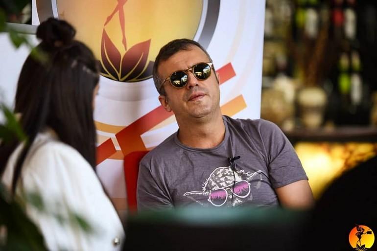 Na kafi sa Sergejem Trifunovićem – Nervira me licemjerje i ljudska glupost
