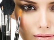 7 trendova u šminkanju na koje morate što prije zaboraviti