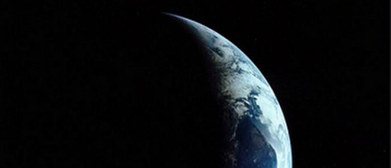 10 očiglednih dokaza da zemlja NIJE RAVNA – Koje možete i sami da provjerite