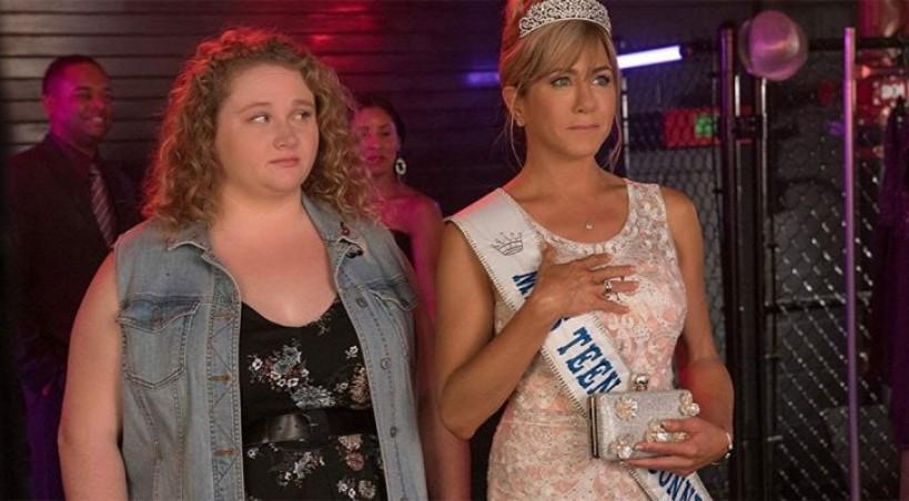 Dženifer Aniston kao mama tinejdžerke u komediji Knedlica (VIDEO)
