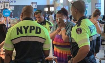 Žena je uhvaćena kako krade hranu u supermarketu i umjesto da je uhapse, policajci su joj kupili te namirnice
