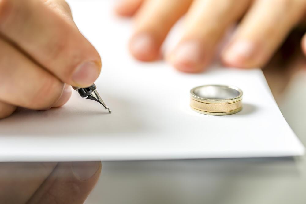 10 najbizarnijih razloga za razvod: Neki su toliko bizarni da ćete se zaprepastiti!