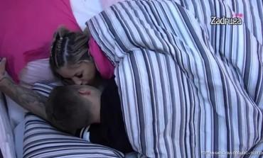 Nakon poljubca Iva i Stefan završili u krevetu