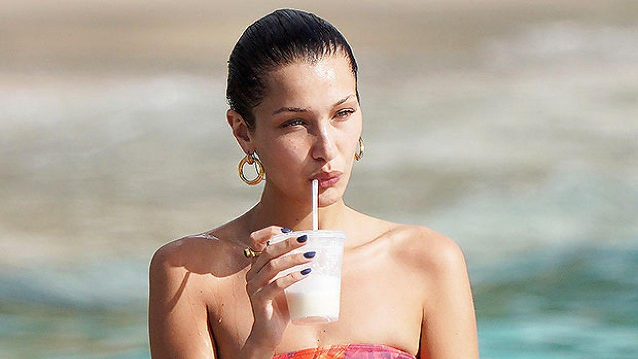 Najljepša manekenka svijeta pokazala sve: Plažom prošetala u prozirnom topu ispod kojeg nije nosila baš ništa