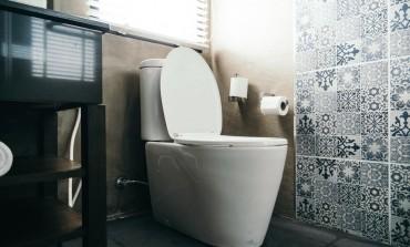 Većina ljudi svakodnevno praktikuje ovu lošu naviku u kupatilu, a nisu svjesni da tako UGROŽAVAJU zdravlje