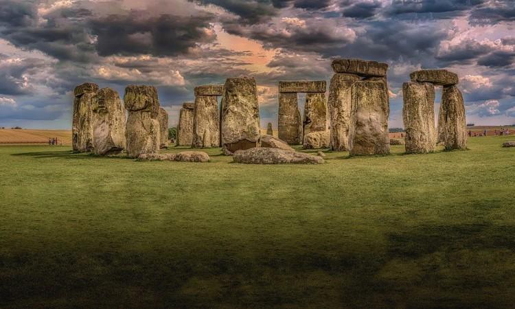 Pronađene misteriozne neolitske tvorevine u blizini Stonehengea